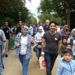 Ausflug in den Park Wilhelmsbad im Rahmen einer sozialen Stadterkundung zusammen mit Patinnen und Paten. Foto: Barbara Heddendorp / Seniorenbüro Hanau