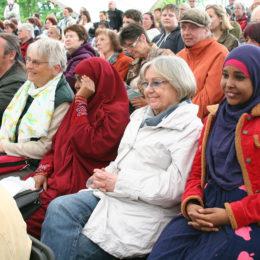 Patinnen und Paten besuchen die Brüder Grimm Festspiel in Hanau. Foto: Barbara Heddendorp / Seniorenbüro Hanau